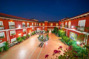 Vista general del Patio del Hotel Romerito (Málaga)