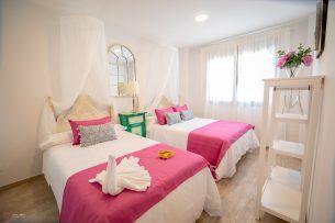 Hotel de Málaga dormitorio dos camas